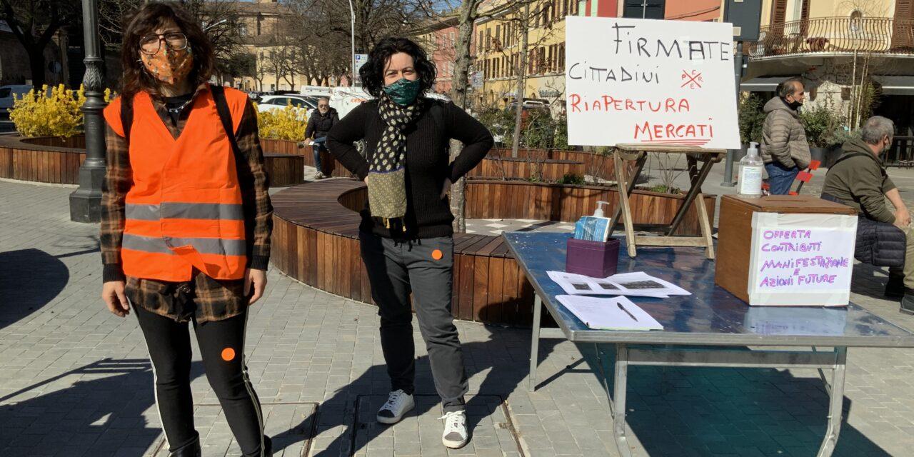 Cesena: 250 Ambulanti in piazza a Cesena. Discriminazione in corso.