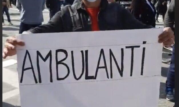 Manifestazione in piazza a Rimini: Scendono in piazza  le categorie  ancora chiuse. Presenti anche gli ambulanti